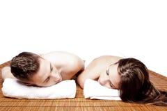 Station thermale de détente de retraite de couples photos stock