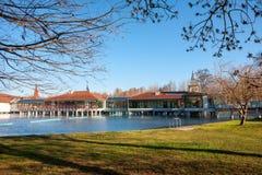 Station thermale de Heviz de lac de son parc en Hongrie Le lac Heviz est le 2ème l Photographie stock libre de droits