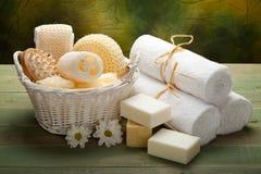 Station thermale - essuie-main, savon et accessoire blancs de massage Images libres de droits