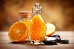 Station thermale orange - sel de bain image stock