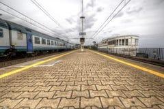 Station van het overzees van Genua Nervi met trein Royalty-vrije Stock Foto's