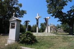 Stationen des Kreuzes durch Tihany-Abtei auf Hügel von Tihany-Halbinsel, Balaton Stockbilder