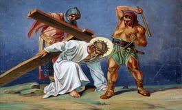 3. Stationen des Kreuzes, Jesus fällt das erste mal Stockfoto