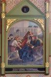 2. Stationen des Kreuzes, Jesus wird sein Kreuz gegeben Stockbilder