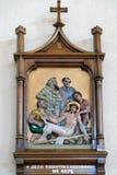 11. Stationen des Kreuzes, Kreuzigung: Jesus wird auf das Kreuz genagelt Lizenzfreies Stockbild