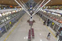 Stationen för KLIA-flygplatsanslutningen och skatter shoppar fritt Royaltyfri Fotografi