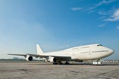 Stationnement commercial d'avion Image stock