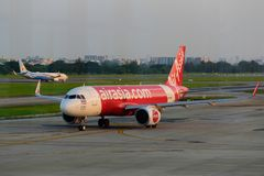 Stationnement d'avion sur l'aéroport international Don de Bangkok Photos libres de droits