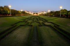 Stationnement d'Eduardo VII, Lisbonne la nuit Image libre de droits