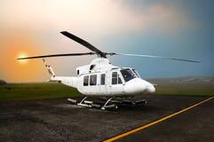 Stationnement d'hélicoptère à l'aéroport Photos stock