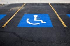 Stationnement d'handicap images stock