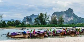 Stationnement de bateau de Longtail Image libre de droits