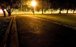 Stationnement de nuit photo libre de droits
