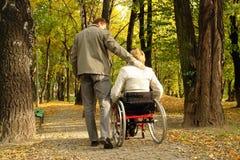 Stationnement de Stroll en automne image libre de droits