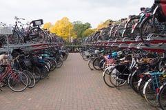 Stationnement de vélo Photographie stock libre de droits