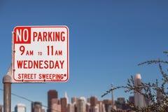 Stationnement interdit mercredi image libre de droits
