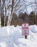 Stationnement interdit - signe de ruelle de feu photographie stock libre de droits