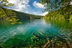 Stationnement national de lacs Plitvice dans l'horizontal de la Croatie Photos stock