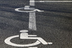 Stationnement pour des handicapés Photographie stock libre de droits