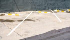 Stationnement vide de l'espace en parc thepublic photo libre de droits