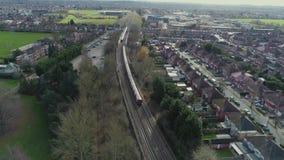 Stations-Brummenflug des London-Stadtzugs untertägiger städtischer stock video footage