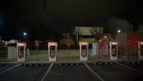 Stations de charge des véhicules à moteur de Telsa Photo libre de droits