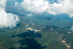 Stations renouvelables d'énergie de puissance de turbines de vent Photographie stock libre de droits