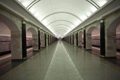 stationsgångtunnel arkivbild