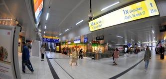 Stationskorridor - centralstation Dusseldorf Royaltyfria Foton