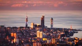 Statisk elektricitet för solnedgångtimelapseBatumi cityscape lager videofilmer