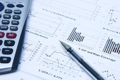Statistik-Gewinn- und Verlustrechnung stockfotografie