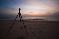 Stativ auf dem Strand Lizenzfreies Stockfoto