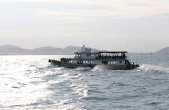 Statki i morscy obszary przybrzeżni w sriracha mieście Obrazy Royalty Free