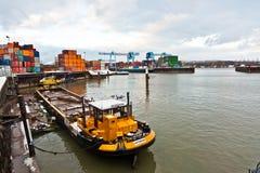 Statki i zbiornik Zdjęcia Royalty Free