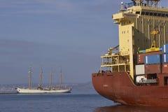Statki w Valparaiso schronieniu, Chile Zdjęcia Stock