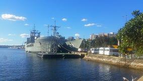Statki wojenni przy nabrzeżem Zdjęcia Stock