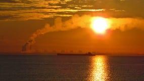 Statku żeglowanie na morzu Obrazy Stock