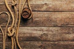 Statku kompas i arkany Zdjęcia Royalty Free