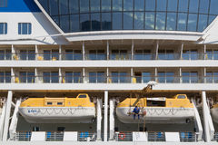 Statku wycieczkowego AIDAluna lifeboats Fotografia Royalty Free
