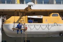 Statku wycieczkowego AIDAluna lifeboats Zdjęcie Royalty Free