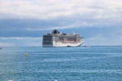 Statku wycieczkowego MSC fantazja w Cannes, Francja Fotografia Royalty Free