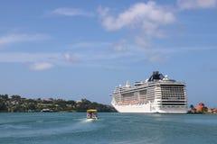 Statku wycieczkowego MSC fantazja w Castries, St Lucia Zdjęcia Royalty Free