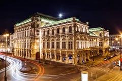 Statlig opera i Wien Österrike på natten fotografering för bildbyråer