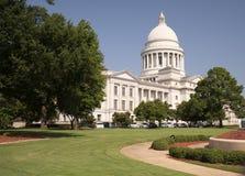 Statligt landskap Little Rock Arkansas USA för Kapitoliumbyggnadsjordning arkivbilder