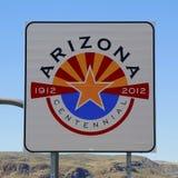 Stato del segnale stradale di Arizona al confine di stato Fotografie Stock