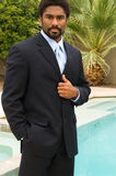 Stattlicher African-Americanmann in der Klage Stockfotografie