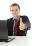 Stattlicher Geschäftsmann am workingplace Stockfoto