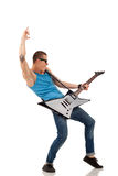 Stattlicher Gitarrist Lizenzfreies Stockfoto