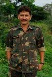 Stattlicher indischer Soldat mit Namensschild Stockfotografie