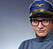 Stattlicher junger Pilot Stockfotos